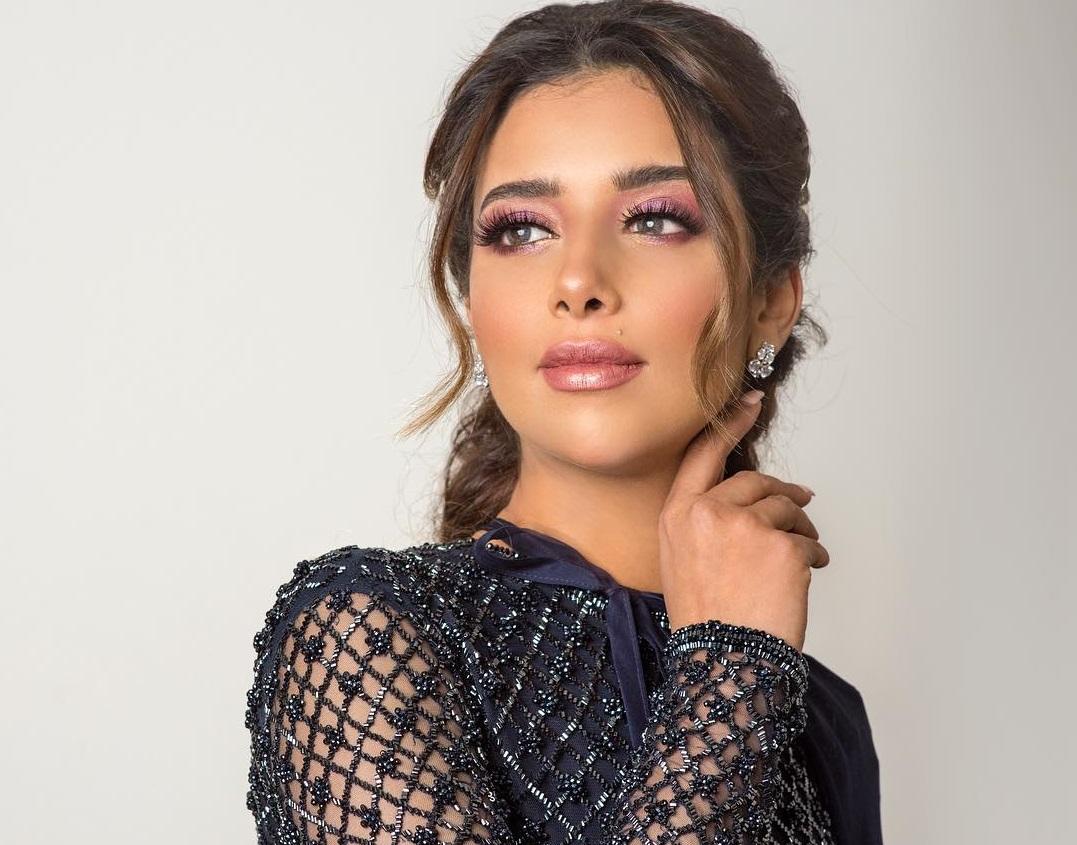 4dc3ad9c98fc9 بلقيس فتحي تطبّق صيحات مكياج 2019
